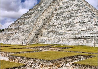 Mayan Pyramid 4036